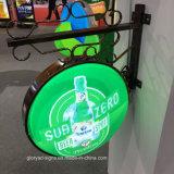 壁に取り付けられた方法によって照らされる表記LEDのライトボックス