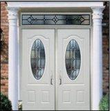ovale 3pnl con il doppio portello d'acciaio di vetro della villa dell'entrata