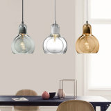 Em forma de lâmpada moderno pingente de luz de vidro transparente para cozinha