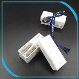 В подарочной упаковке бумаги в салоне с мешком для пыли, картон Печать .