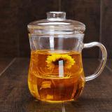 창조적인 유리제 차잔 손은 필터를 가진 차잔을 만들었다