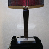 Lámpara de mesa decorativa de seda de cabecera de seda roja