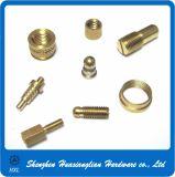Части CNC латунного оборудования разъема поворачивая подвергая механической обработке механически