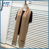 Form-warmer starker Kaschmir-Schal