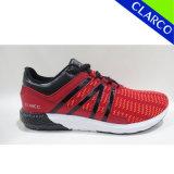 Ботинки спорта обуви атлетического комфорта людей гуляя