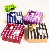 Boîte-cadeau fabriquée à la main estampée personnalisée de papier de bijou pour l'emballage (FLB-9336)