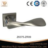 Специальный дизайн оборудования двери Zmaka цинка ручки рычага переключения передач (z6375-zr09)