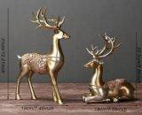 2PCS樹脂のクリスマスのトナカイの彫刻のホームまたはオフィスの芸術の装飾(シャンペンの銀)のための創造的なシカの置物の特性の彫像