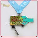 Medalha macia do esmalte niquelar brilhante feito sob encomenda com Corkscrew do vinho