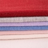Due lati dei tessuti dell'acetato di cellulosa e delle lane per il cappotto di inverno