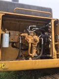 Lagarta usada 349d da máquina escavadora feita em Japão