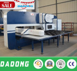 판금을%s 최신 판매 기계적인 CNC 포탑 펀칭기 D-T30