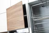 サンプル使用できる中国は現代白いメラミン食器棚を作った