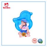 歯生期の赤ん坊のためのフルーツの形の赤ん坊水によって満たされるTeether