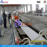 PVC天井か壁のプロフィールのパネルの放出機械