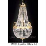 Lampadario a bracci a cristallo classico dell'oro di E14 Dia150 H160 nel ristorante del salone e nella decorazione della scala