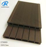 Barato e de alta qualidade com um deck WPC, à prova de resistência às radiações UV...