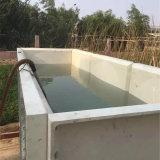 Tanque de água com produto comestível