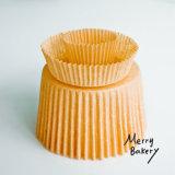 빵집을%s 자연적인 색깔 기름이 안 배는 종이에서 머핀 컵 (강선)