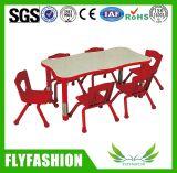 Meubles d'école maternelle Table d'étude pour enfants populaires avec quatre chaises