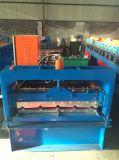 Roulis en acier de couleur formant la machine