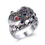 Cristal de diseño retro de color negro de anillo para mujer