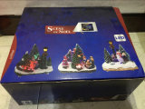 Harz-Weihnachtsdekoration 4 '' führte Schneemann mit Baum, zwei Kinder, Weihnachtsbaum und Lampe