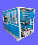 Schnellimbiss-Behälter, der Maschine herstellt