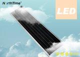Route extérieure de prix usine allumant le réverbère actionné solaire de DEL