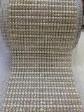 플라스틱 배와 모조 다이아몬드 메시 트리밍은 의복을%s 수정같은 백색 기초 10yard 롤에 꿰맨다
