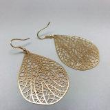 형식 작풍 금 색깔 구렁 잎은 여자 숙녀를 위한 귀걸이를 떠난다