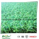 Grama artificial da grama sintética verde ao ar livre do relvado do golfe