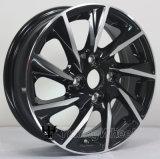 Черный 14-дюймовыми легкосплавными колесами автомобиля легкосплавных колесных дисков