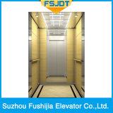 [أك-فّفف] يقود مسافر مصعد لأنّ بناية تجاريّة