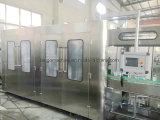Macchinario imbottigliante di riempimento della macchina imballatrice della bevanda automatica della bottiglia di acqua con il sistema di trattamento dell'acqua potabile