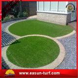 Césped artificial verde de la falsificación del paisaje de la hierba de la alta calidad