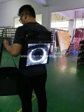 Visualización clara estupenda de la cartelera del morral LED de la alta definición que recorre P2 para el anuncio