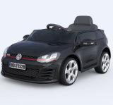 폭스바겐 골프 Gti는 장난감 차에 아이 탐을 허용했다
