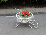 حديقة عربة يد مزارع حامل مع دراجة شكل