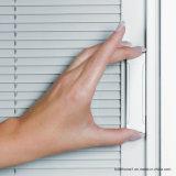 Las parrillas internas de aluminio en-Hacen pivotar la mano izquierda que resbala la puerta del patio