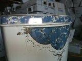 Hochwertiges Badezimmer-keramische dekorative Toilette mit goldener Dekoration