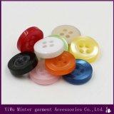 衣類のために縫う衣服のアクセサリの樹脂ボタン