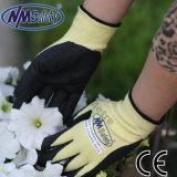 Набивку из пеноматериала Nmsafety нитриловые из арамидного волокна против сократить рабочие перчатки