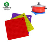 Multipurpose Silicone Placemats and Coasters with Lattice Shape