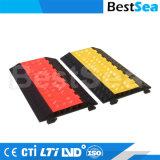 5개의 채널 고무 도로 케이블 프로텍터 또는 옥외 유연한 PU 플라스틱 5 채널 케이블 경사로 또는 채널 고무 경사로