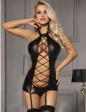 en señora atractiva negra Leather Lingerie de la talla de las existencias cuatro