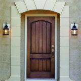 L'intérieur de l'intérieur de porte en bois / Porte en bois