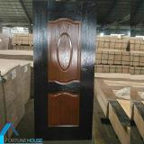 Melamina horizontal/vertical da cor diferente enfrentou a pele da porta