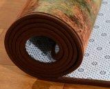 Tapete de impressos de poliéster com uma esponja de plástico não tecidos do tipo sanduíche soltando o backup