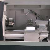 Kleine CNC-Drehbank-Maschine mit pneumatischer Futter-Klemme Ck6132A